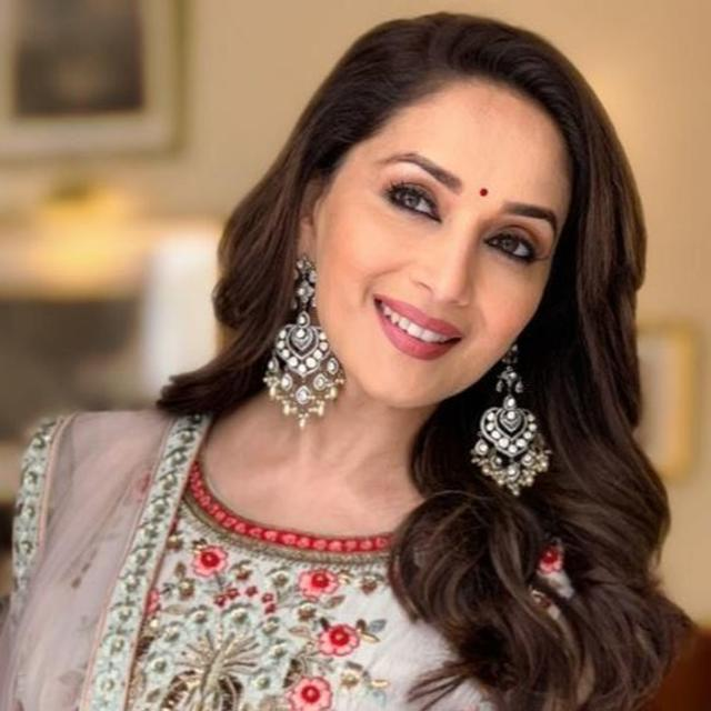 'THE ETERNAL QUEEN': NETIZENS CAN'T STOP GUSHING OVER MADHURI DIXIT AS SHE SHARES A NEW STILL FROM 'KALANK'