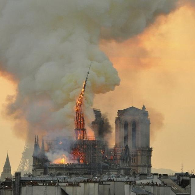 SHOCK, SADNESS, BUT NO PANIC: MINUTES THAT SAVED NOTRE DAME