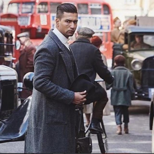 IN PICS | VICKY KAUSHAL MAKES AN APPEARANCE AFTER HIS ACCIDENT, HERE'S HOW NETIZENS REACTED