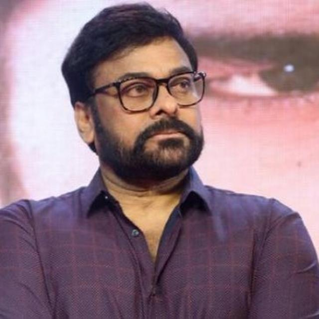 FIRE BREAKS OUT ON SETS OF CHIRANJEEVI'S FILM, NONE INJURED