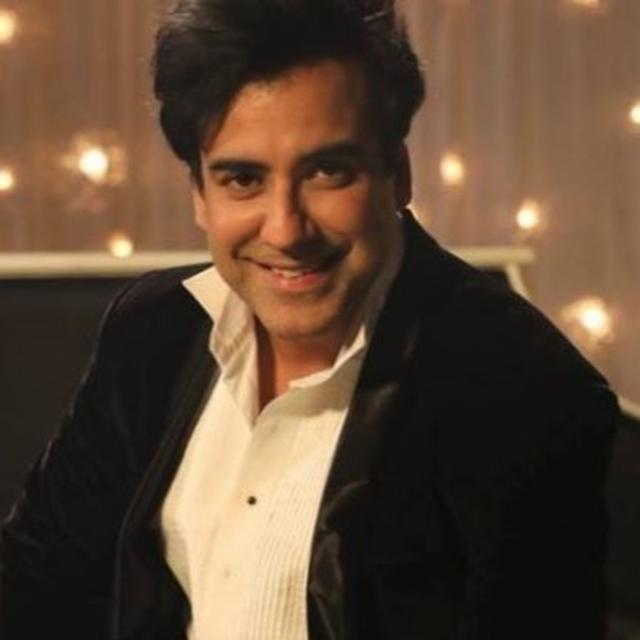 KARAN OBEROI, ARRESTED IN RAPE AND EXTORTION CASE, SENT TO 14-DAY JUDICIAL CUSTODY; LAWYER GIVES AN UPDATE ON THE FUTURE COURSE OF ACTION