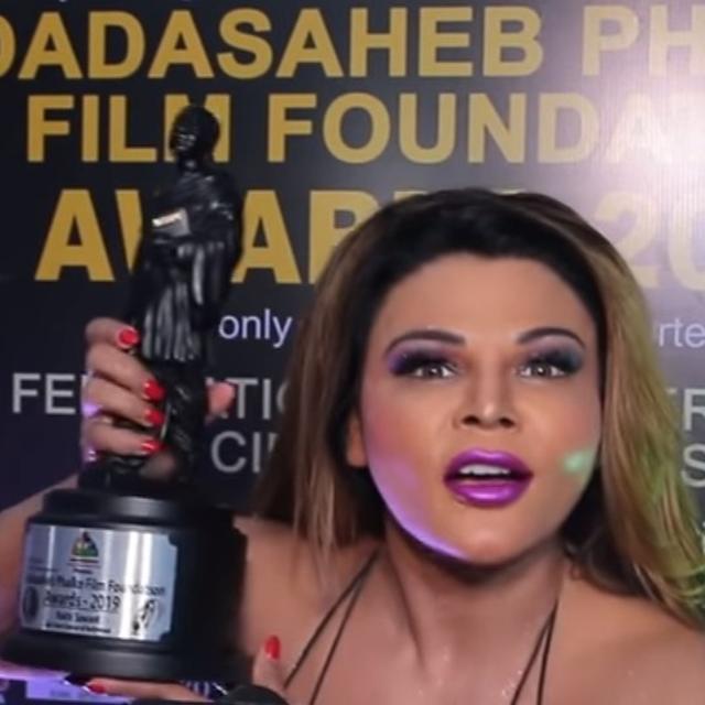 RAKHI SAWANT WINS DADASAHEB PHALKE FILM FOUNDATION AWARD FOR 'BEST ITEM DANCER IN BOLLYWOOD'. HERE'S WHAT SHE SAID