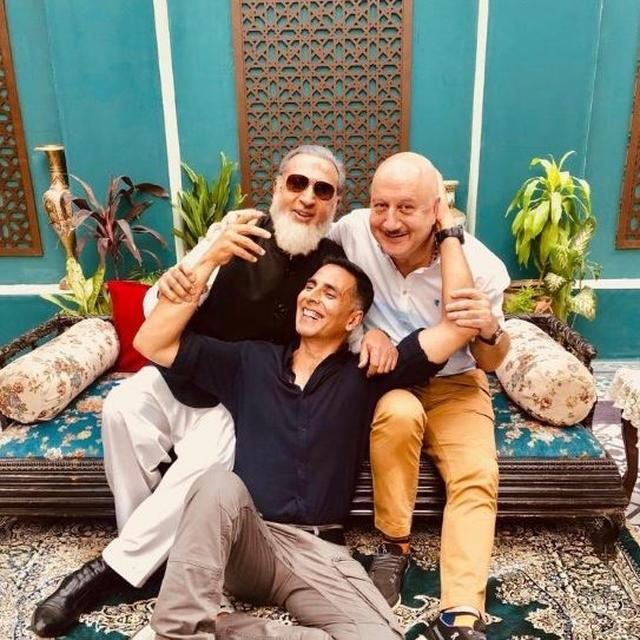 'I AM PROUD OF YOU': ANUPAM KHER'S REPLY TO AKSHAY KUMAR'S PICTURE WITH HIM AND GULSHAN GROVER IS FULL OF 'LOVE'