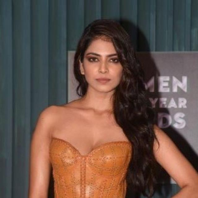 """""""SO MANY COMMENTS AND OPINIONS ABOUT HOW 'A RESPECTABLE GIRL SHOULD DRESS'"""": HERE'S HOW MALAVIKA MOHANAN HIT BACK AT THE TROLLS"""