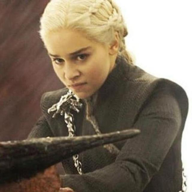 """GOOGLE SHOWS IMAGES OF GAME OF THRONES WRITERS WHEN TYPED """"BAD WRITERS"""" IN IT"""