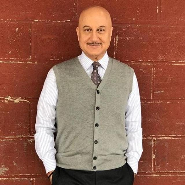 ANUPAM KHER'S REPLY TO A NETIZEN ASKING WHAT HIS REACTION WOULD BE IF HIS HAIR SUDDENLY GROWS BACK IS SURE TO MAKE YOU LAUGH OUT LOUD