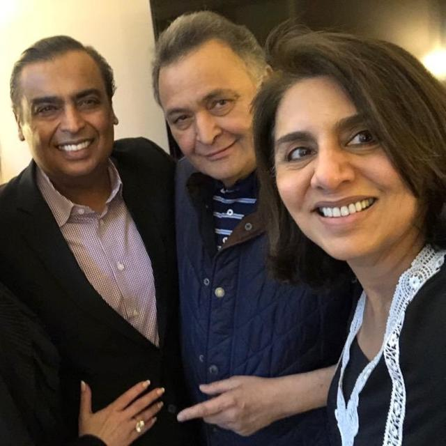 'WE ALSO LOVE YOU', WRITES RISHI KAPOOR AS MUKESH AMBANI-NITA AMBANI VISIT THE ACTOR IN USA