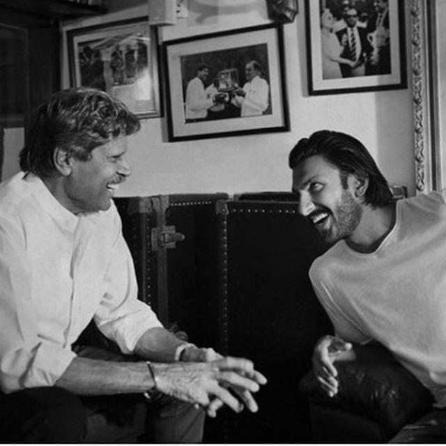RANVEER SINGH'S CANDID PICTURES WITH CRICKETER KAPIL DEV IS A PERFECT EXAMPLE OF AN INQUISITIVE STUDENT WHO NEVER STOPS LEARNING!