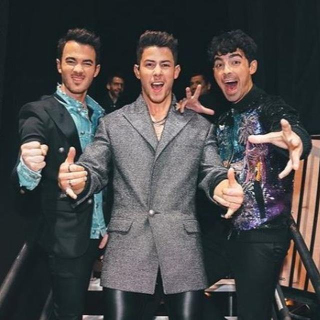THE JONAS BROTHERS ALL SET TO RELEASE MEMOIR TITLED 'BLOOD' DOCUMENTING THEIR MUSICAL JOURNEY. DETAILS HERE