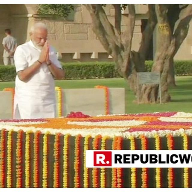 WATCH: PM MODI PAYS TRIBUTE TO MAHATMA GANDHI AT RAJGHAT HOURS BEFORE THE SWEARING-IN CEREMONY