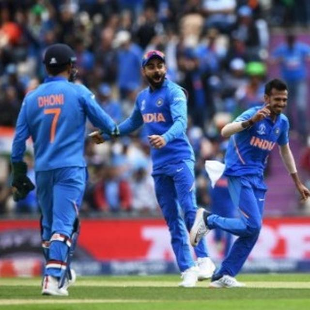 WORLD CUP 2019 | HERE'S WHAT NETIZENS FEEL ABOUT TEAM INDIA'S PERFORMANCE WITH THE BALL AGAINST SOUTH AFRICA AND THE CHASE