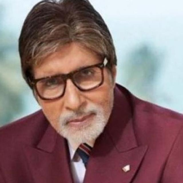 AMITABH BACHCHAN'S FANS MAKE LIGHT OF HIS TWITTER ACCOUNT BRIEFLY BEING HACKED, TURN IT INTO A BIG-B TRIBUTE