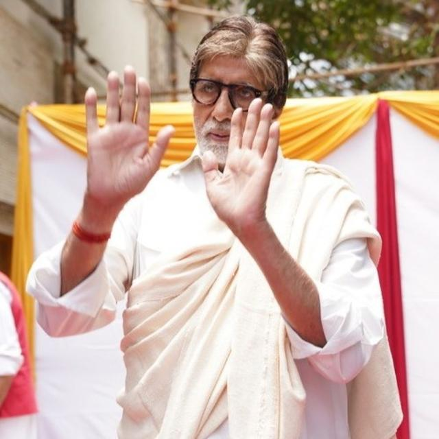 AMITABH BACHCHAN SHARES THE MOTTO OF 'TODAY'S WORLD' AFTER TWITTER, JIO AND THE INTERNET GIVES HIM TROUBLE. HERE'S WHAT IT IS