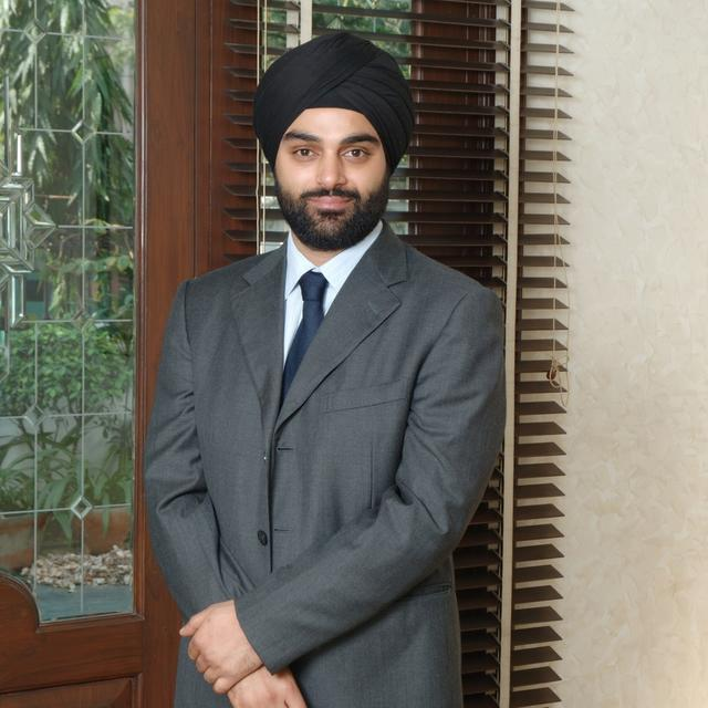 LATE LIQUOR BARON PONTY CHADHA'S SON MANPREET CHADHA ARRESTED FROM IGI AIRPORT IN CHEATING CASE