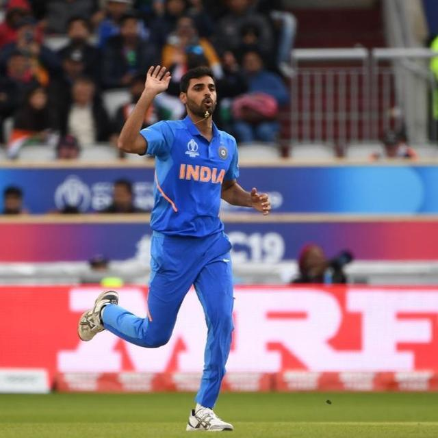 WORLD CUP 2019 | WILL BHUVNESHWAR KUMAR TAKE TO THE FIELD IN THE ONGOING INDIA VS PAKISTAN ENCOUNTER? HERE'S AN UPDATE