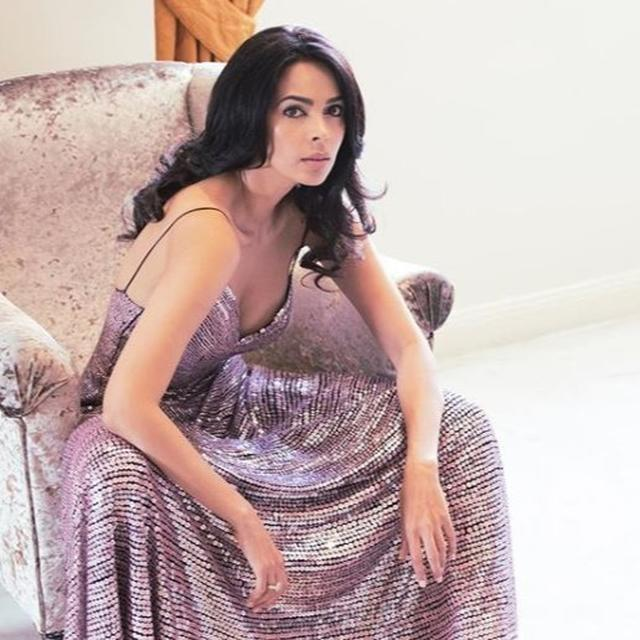 STARTLING: MALLIKA SHERAWAT SAYS A PRODUCER ONCE ASKED 'TO FRY EGGS ON HER BELLY' TO PORTRAY 'HOTNESS' IN A SONG