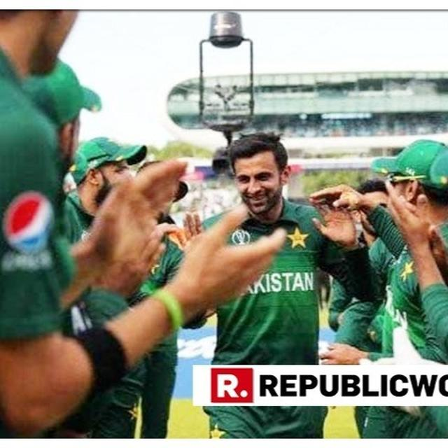 "WORLD CUP 2019 | ""MUBARAK BHAI FOR YOUR ODI CAREER"", FORMER CRICKETERS AND TEAMMATES BID SHOAIB MALIK GOODBYE AS BATSMAN ANNOUNCES RETIREMENT"