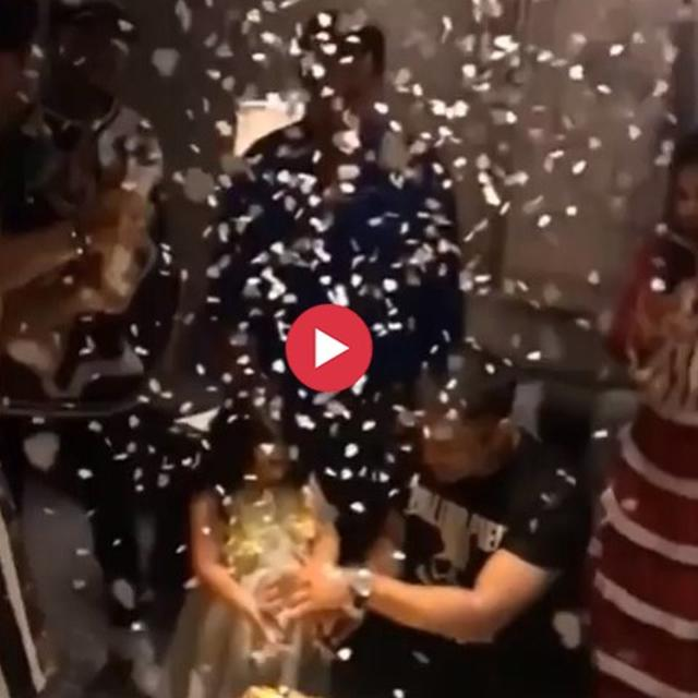 MS DHONI RINGS IN HIS 38TH BIRTHDAY ON JULY 7, CELEBRATES IT WITH FAMILY, CONFETTI AND CAKE ON HIS FACE