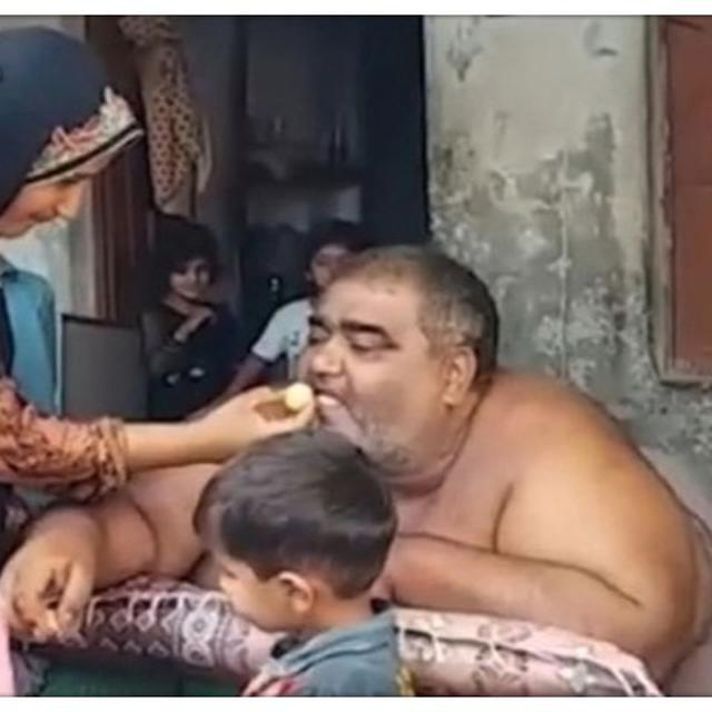 PAKISTAN'S HEAVIEST MAN DIES AFTER BEING LEFT UNATTENDED IN ICU DUE TO COMMOTION