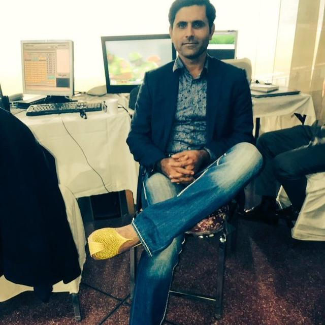 WATCH: FORMER PAKISTAN ALL-ROUNDER ABDUL RAZZAQ ADMITS HE WAS INVOLVED IN 5-6 RELATIONSHIPS AFTER MARRIAGE; SAYS THEY COME WITH AN EXPIRY DATE