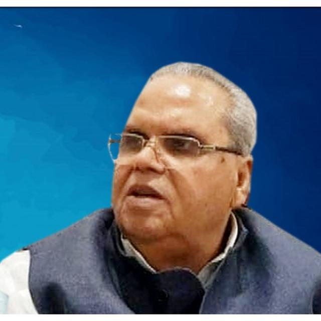 OMAR ABDULLAH RETALIATES TO J&K GUV SATYA PAL MALIK'S APPEAL TO TERRORISTS, SAYS 'SHOULD FIND OUT ABOUT HIS OWN REPUTATION BEFORE SANCTIONING UNLAWFUL KILLINGS & KANGAROO COURTS'