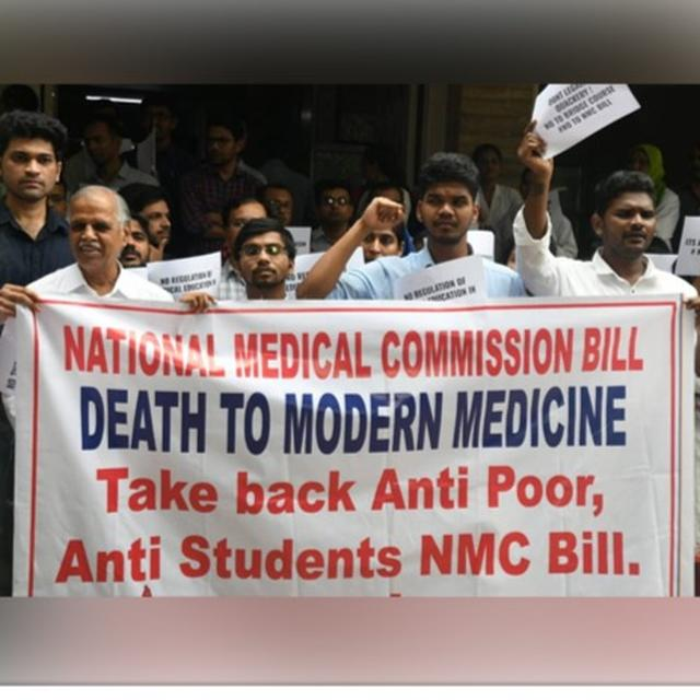 DOCTORS AGAINST NMC BILL: NATIONWIDE PROTEST HITS SERVICES; DELHI'S AIIMS & SAFDURJUNG DOCTORS TAKE TO STREETS