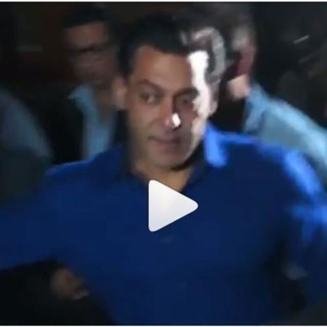 SALMAN KHAN FAN TRIES TO PULL HIM FOR A SELFIE, 'DABANGG' STAR DOESN'T LOOK PLEASED. WATCH VIDEO