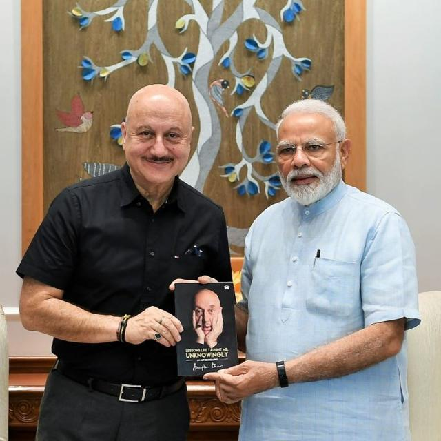 ANUPAM KHER SHARES HIS AUTOBIOGRAPHY WITH PM MODI, THANKS HIM 'FOR THE LESSONS ONE LEARNS KNOWINGLY'