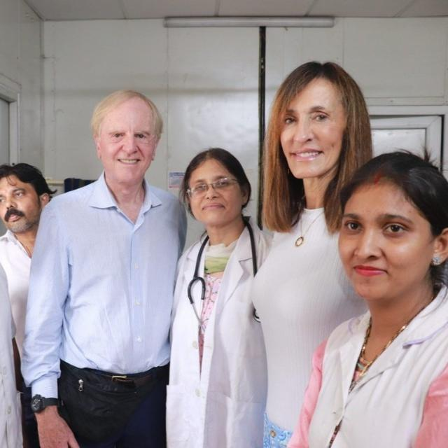 FORMER APPLE CEO JOHN SCULLEY AND HIS WIFE VISIT DELHI'S MOHALLA CLINIC
