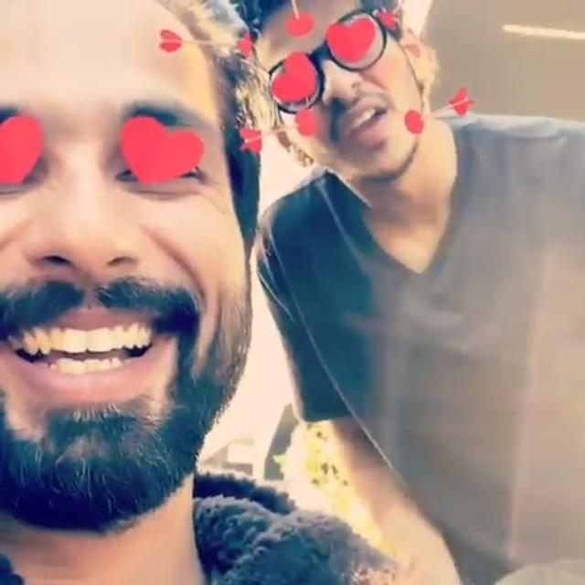 SHAHID KAPOOR, INSHAN KHATTER & KUNAL KEMMU TRY 'HEART EYES' FILTER; GIGGLE, 'SUCH MATURITY IS H