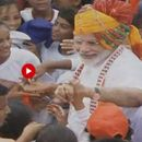 WATCH: ON INDEPENDENCE DAY, SCHOOLCHILDREN JOSTLE TO SHAKE HANDS WITH PM MODI AT RED FORT