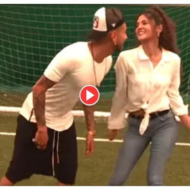 ARGENTINE FOOTBALLER ROBERTO PEREYRA GROOVES TO THE TUNES OF THIS SHAH RUKH KHAN HIT